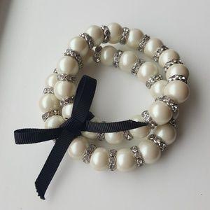 Ann Taylor pearl bracelet